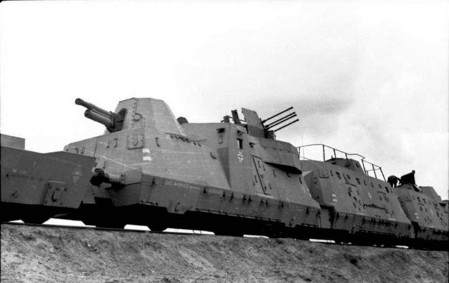 German armored train full of gold hidden by the Nazis in Poland. He was discovered ?