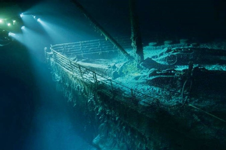 VIDEO: Titanic right from the site's sinking.